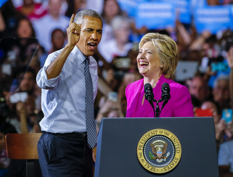 Image: Hillary Clinton holds campaign rally with US President Barack Obama in Charlotte, North Carolina