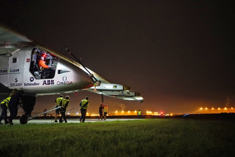 Image: Solar Impulse takeoff from Tulsa, Oklahoma, USA