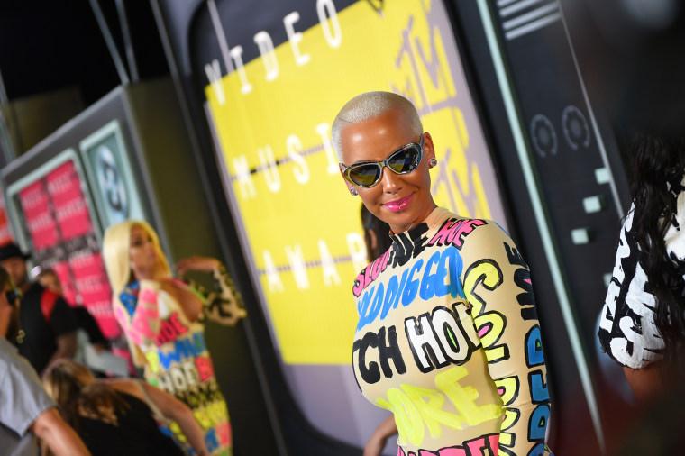 784aeb6a93d 2015 MTV Video Music Awards - Red Carpet