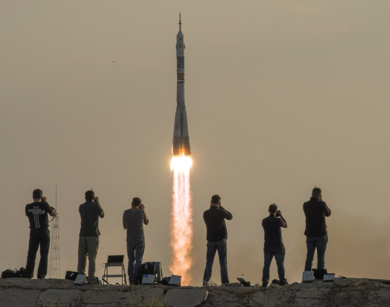 Image: BESTPIX Expedition 48 Launch