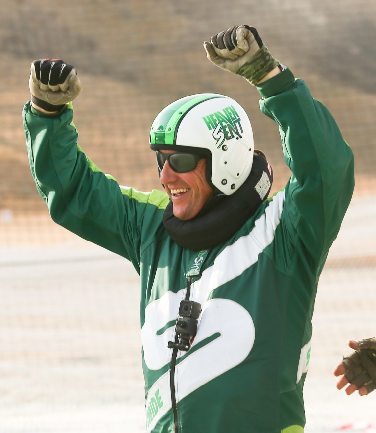 Image: Stride Gum Presents Heaven Sent - Skydiver Luke Aikins Successfully Takes Historic Flying Leap From 25,000 Feet Without A Parachute Or Wing Suit Live