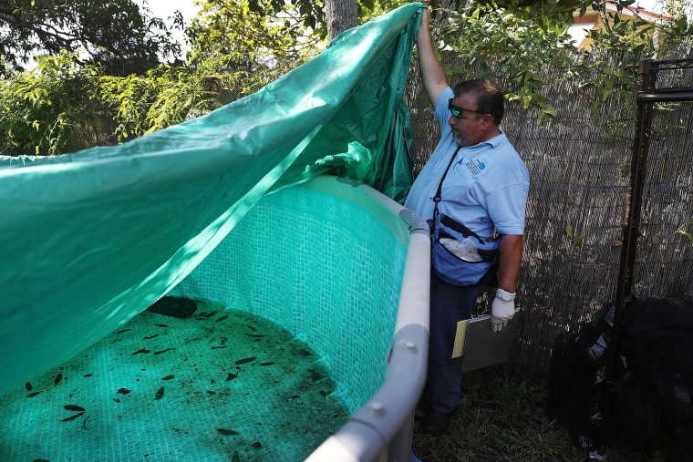 Image: *** BESTPIX *** Miami-Dade Mosquito Control Works In Area Where Zika Has Been Found