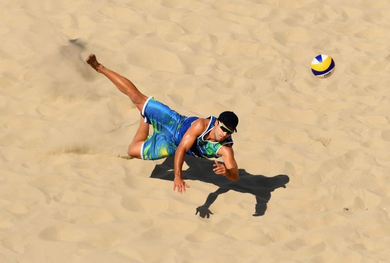 Image: Brazil v Canada - Beach Volleyball - Olympics: Day 1