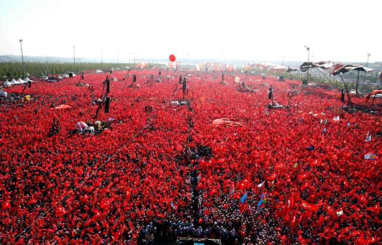 Image: CORRECTION-TURKEY-MILITARY-POLITICS-COUP-RALLY