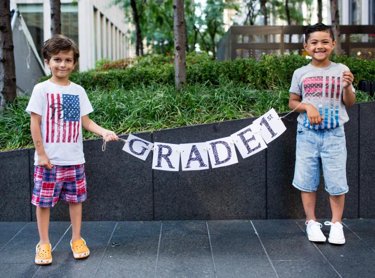 DIY back to school signs - grade garland