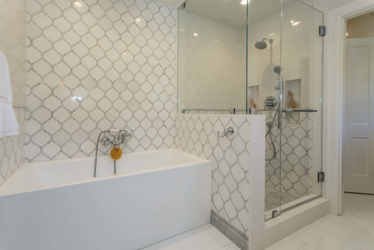Groucho Marx's bathroom