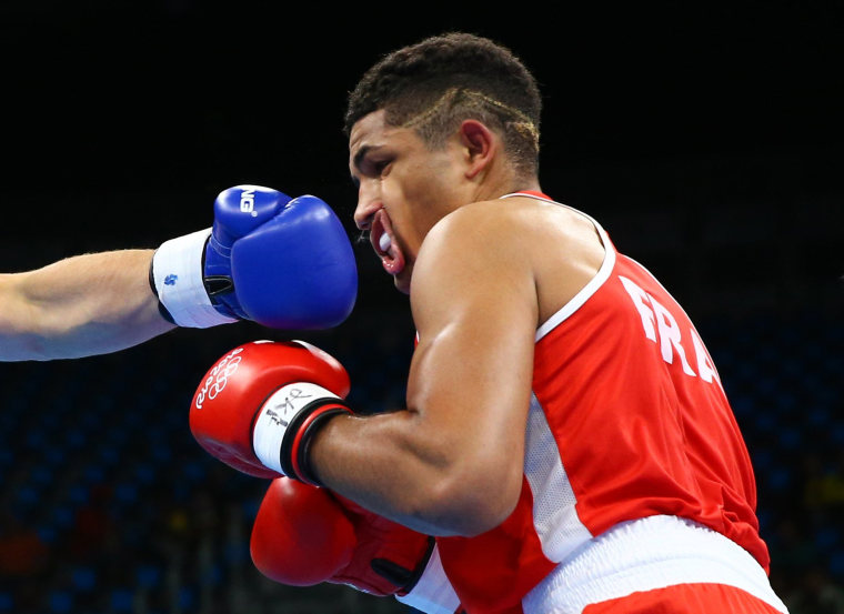 Image: Boxing - Men's Heavy (91kg) Round of 16 Bout 50