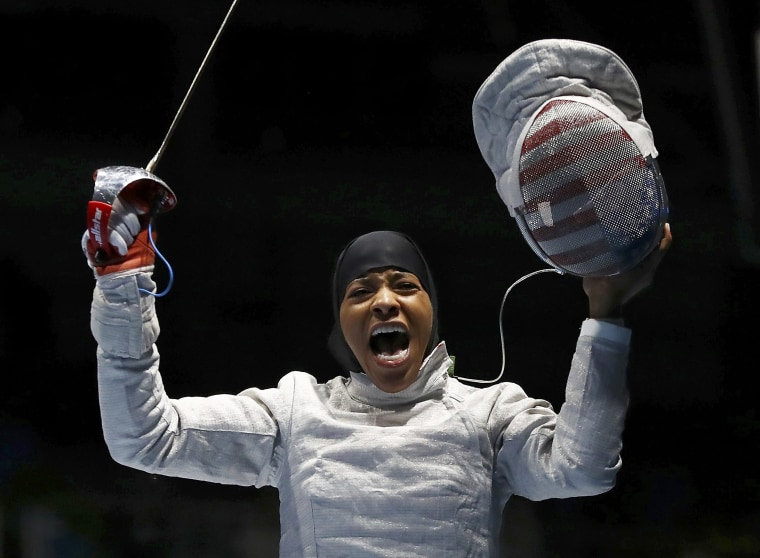 Image: Fencing - Women's Sabre Individual Table of 32