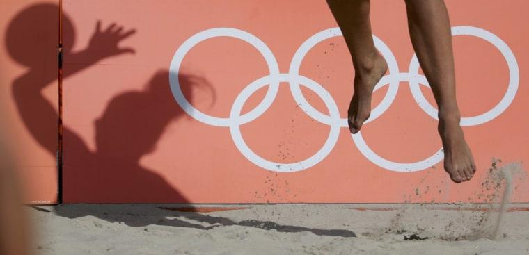 Image: Beach Volleyball - Women's Preliminary