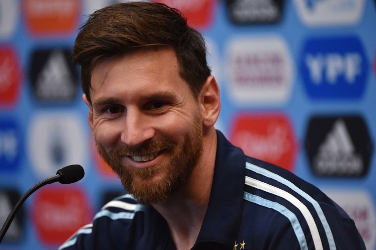 24427691b Lionel Messi Comes out of Retirement to Play for Argentina Again