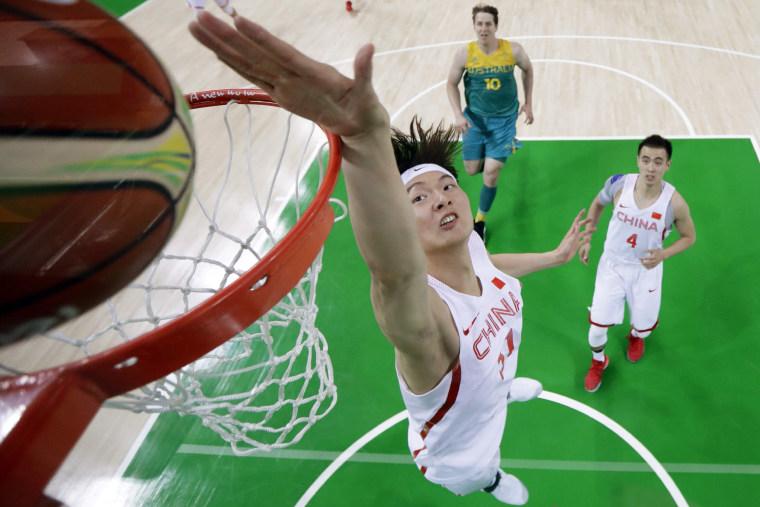 Image: TOPSHOT-BASKETBALL-OLY-2016-RIO-CHN-AUS