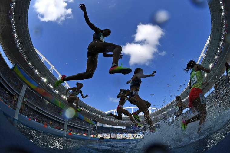 Image: TOPSHOT-ATHLETICS-OLY-2016-RIO