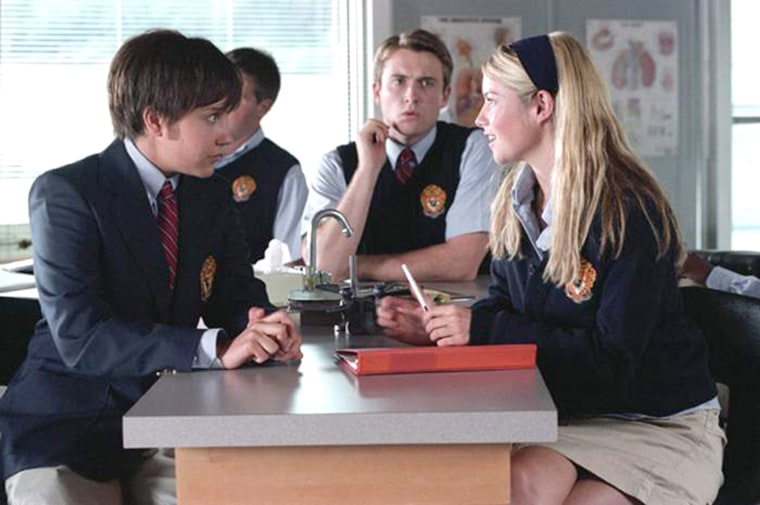 """Amanda Bynes as Viola, James Snyder as Malcolm and Laura Ramsey as Olivia in DreamWorks' teen romance """"She's the Man"""" (2006)"""