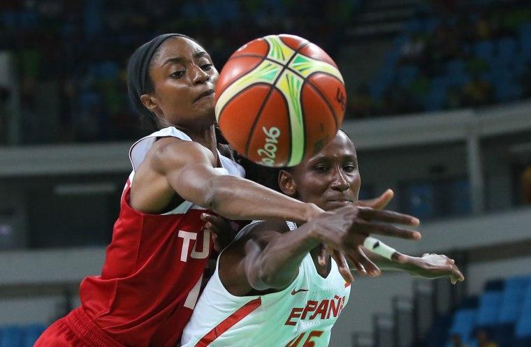 Image: Basketball - Women's Quarterfinal Spain v Turkey