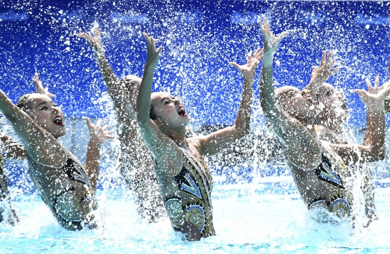 Image: TOPSHOT-SWIMMING-SYNCHRONISED-OLY-2016-RIO
