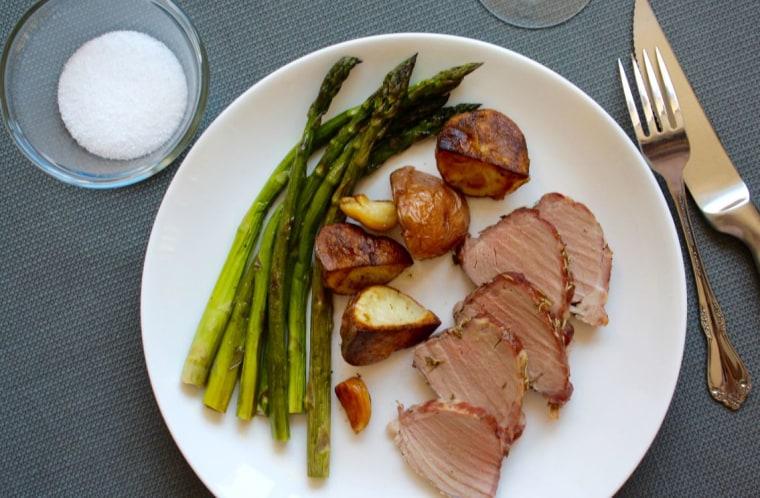 Roast pork with asparagus