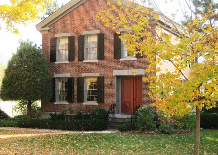 The refurbished childhood home of Circaoldhomes.com founder Elizabeth Finkelstein.