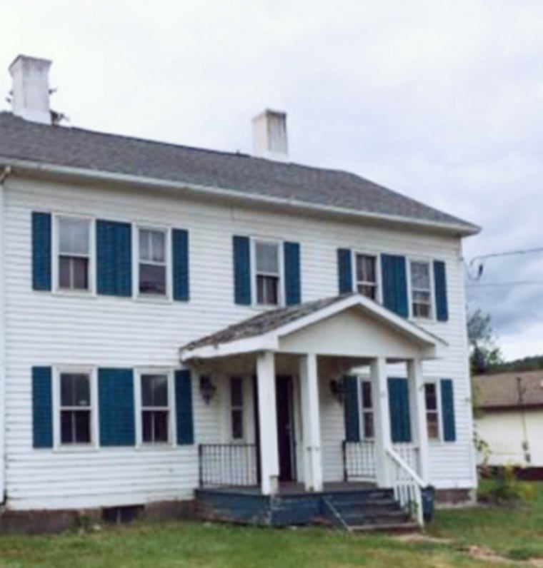This 1832 Federal home was free to anyone who could move it.