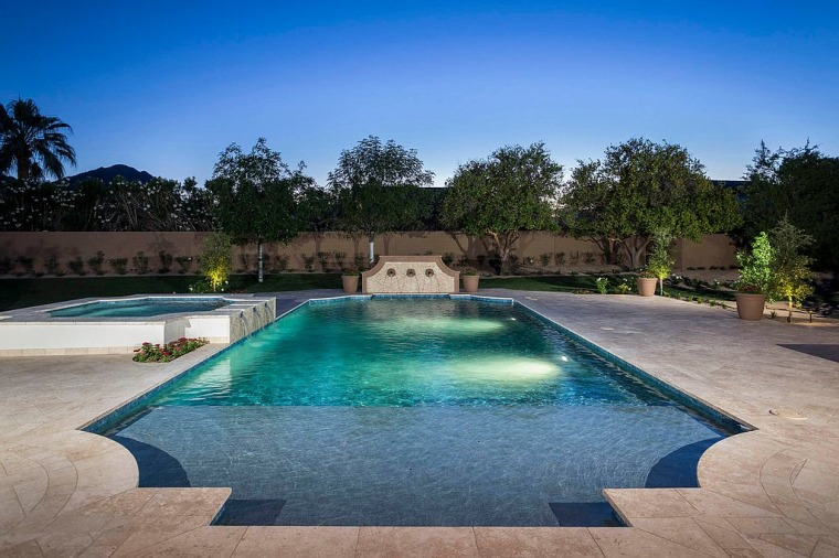 Michael Phelps' pool