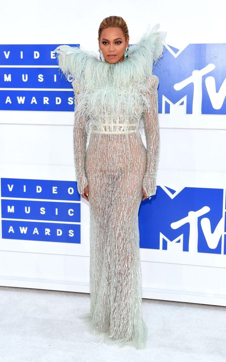 Beyonce MTV Video Music Awards red carpet