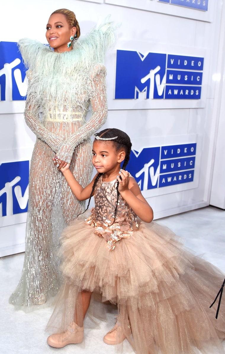 Beyonce 2016 MTV Video Music Awards red carpet