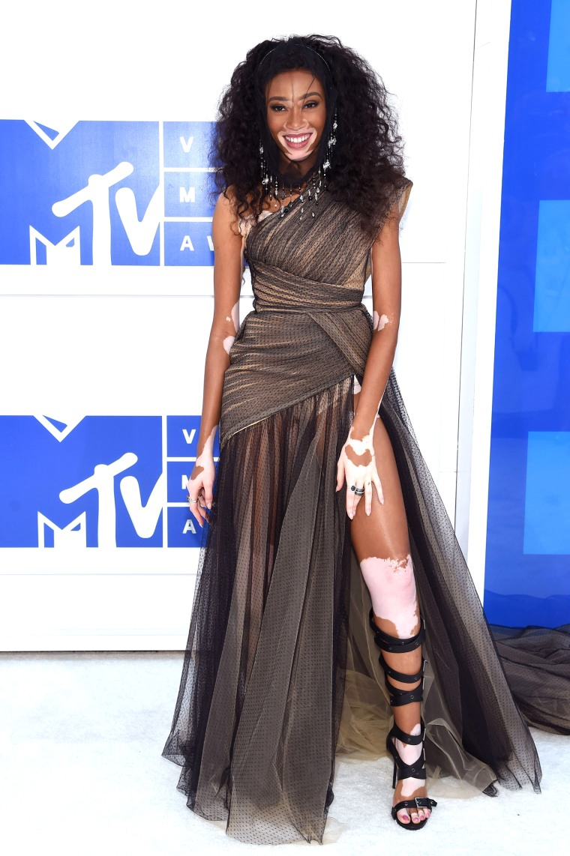 Chantelle Winnie 2016 MTV Video Music Awards red carpet