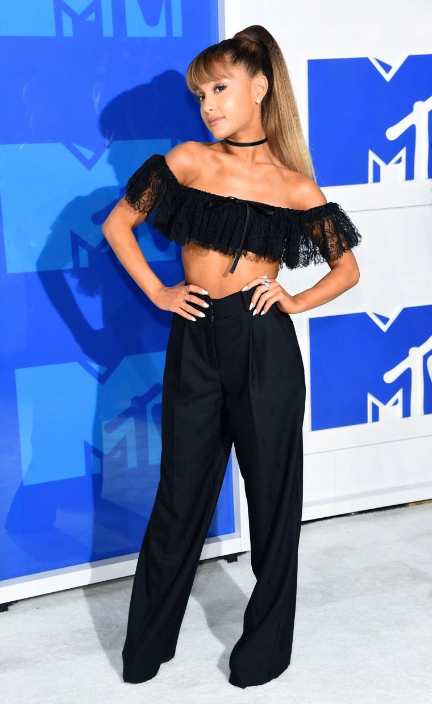 Ariana Grande 2016 MTV Video Music Awards red carpet