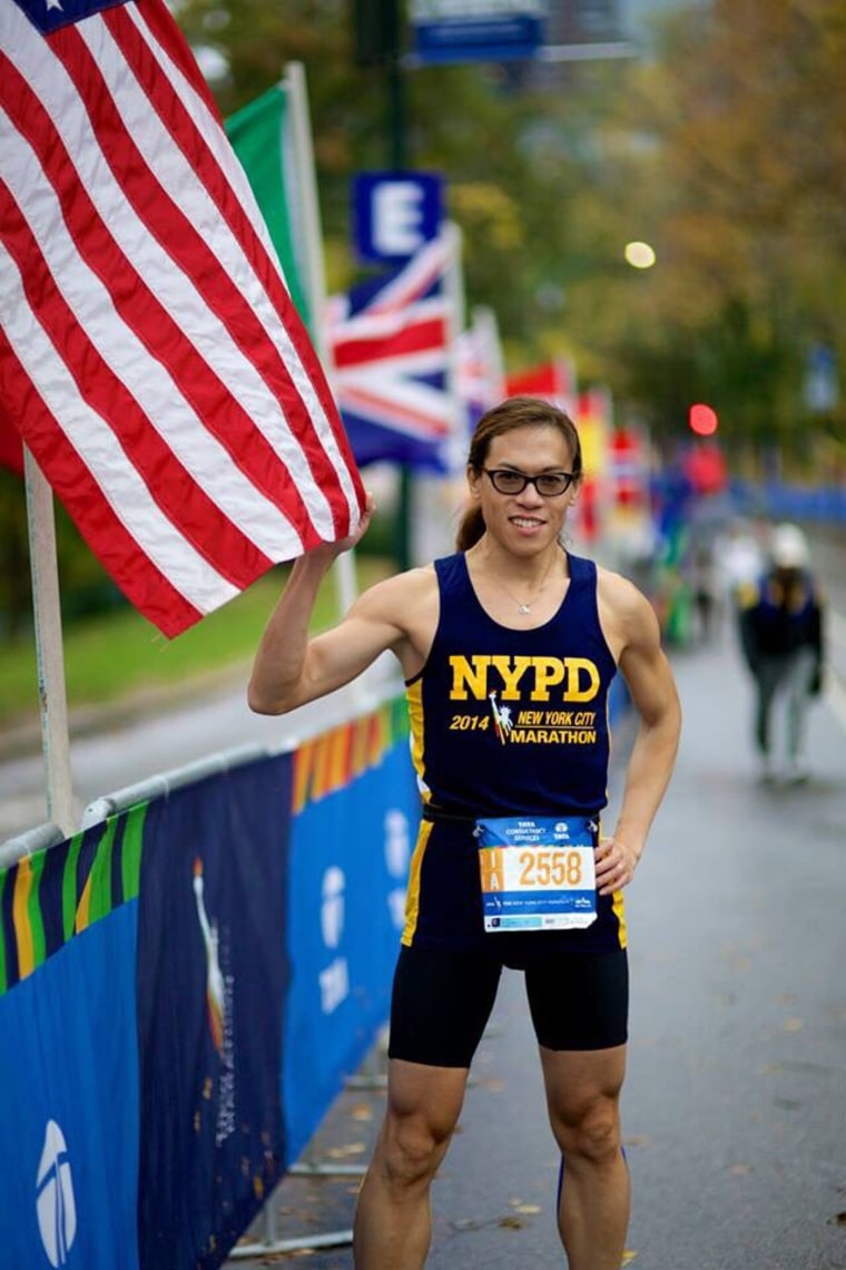 Ophthalmologist Vincent Hau runs marathons and acts as a guide for blind runners.