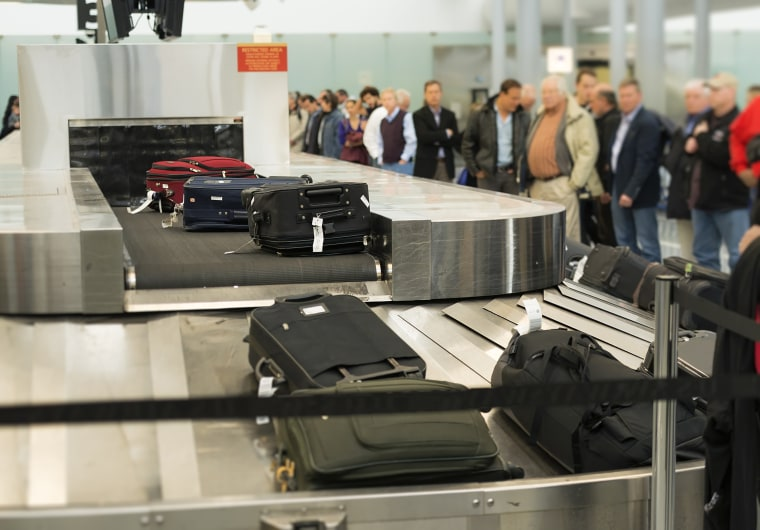 Image: Baggage claim conveyor at Philadelphia International Airport