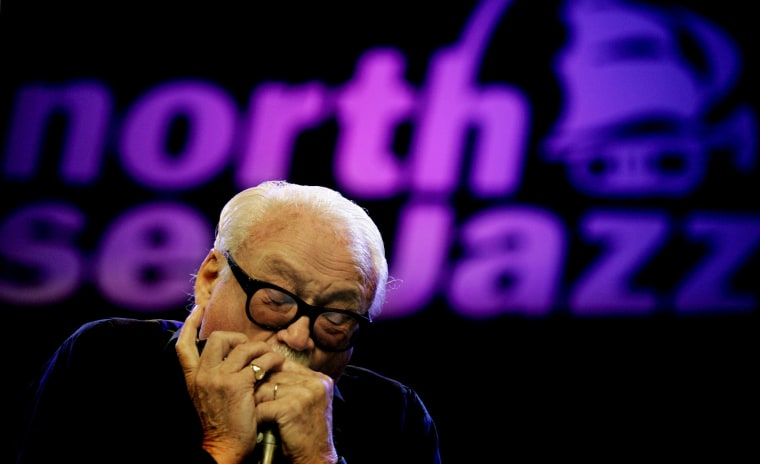 Image: Toots Thielemans in performance in 2005