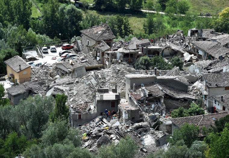 Image: 6.2 magnitude earthquake hits central Italy