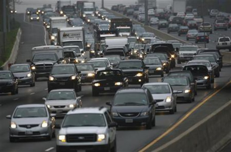 Experts puzzled by increase in U.S. traffic deaths