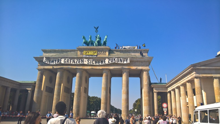Image: Anti-Islam activists climed on Berlin's Brandenburg Gate for an hour.