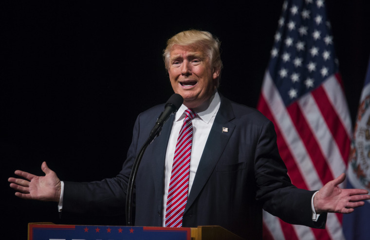 Image: Trump Speaks at Rally in Ashburn, Virginia
