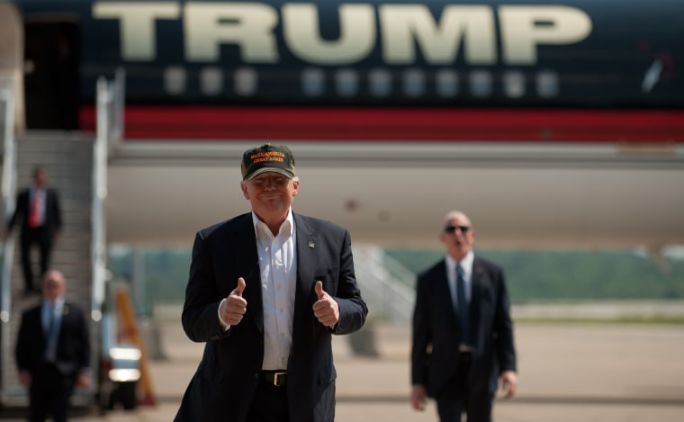 Image: GOP Presidential Candidate Donald Trump Campaigns In Western Pennsylvania