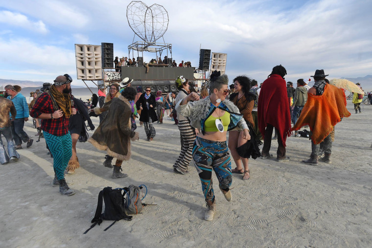 Image: People dance the morning away at Burning Man