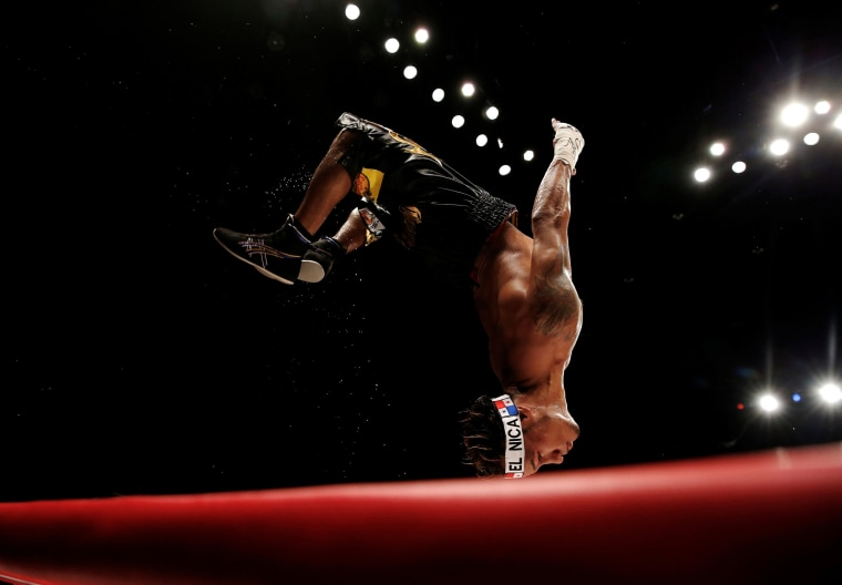 Image: Boxing - WBA super-flyweight title - Kohei Kono v Luis Concepcion
