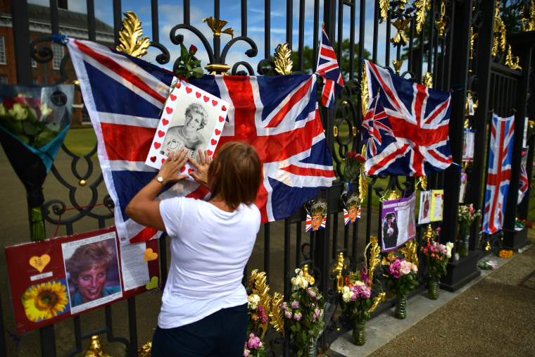 Image: BESTPIX - Tributes Left For Princess Diana On The 19th Anniversary Of Her Death