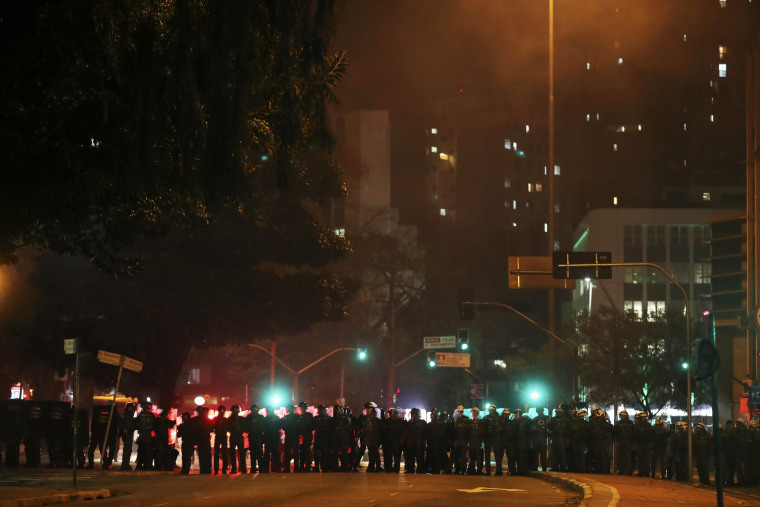 Image: Protests held to show support for ousted Brazilian ousted President Dilma Rousseff in Sao Paulo