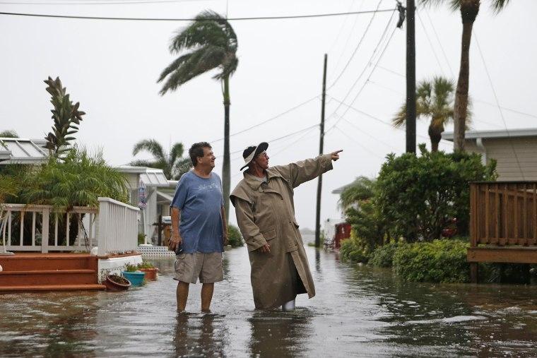 Brutal Night Hurricane Hermine Nears Florida S Gulf Coast