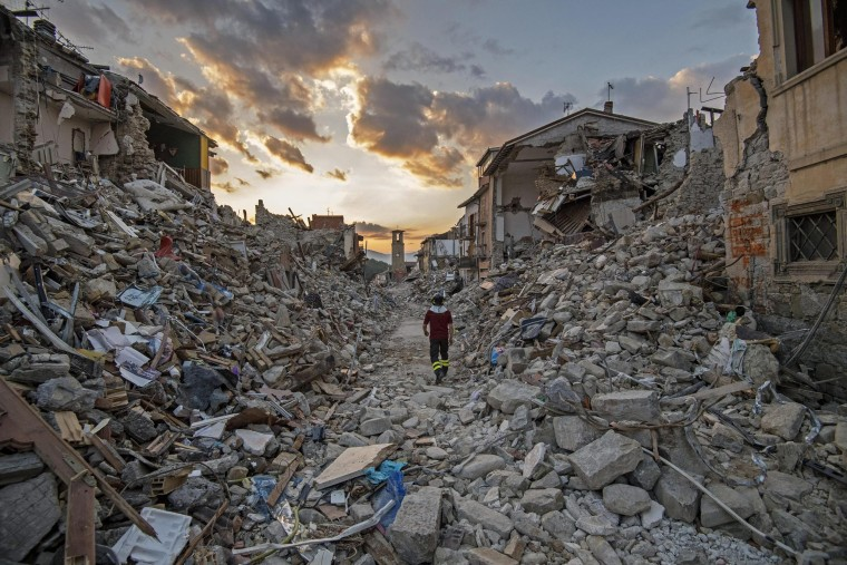 Image: Central Italian earthquake aftermath