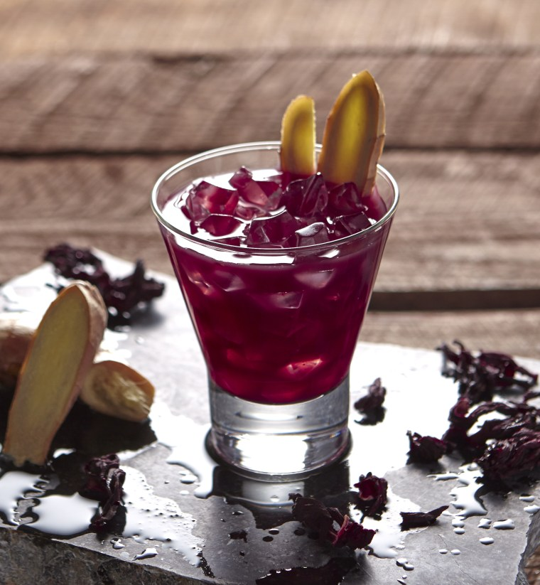 Hibiscus Tea with Ginger