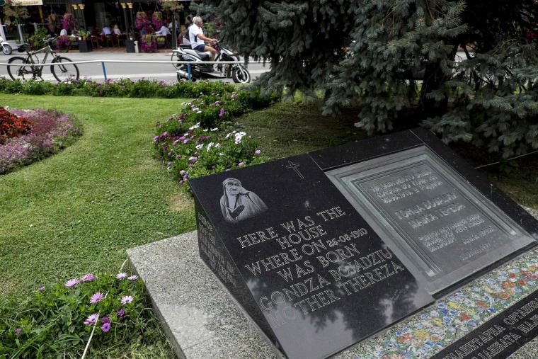 Image: MACEDONIA-VATICAN-RELIGION-TERESA