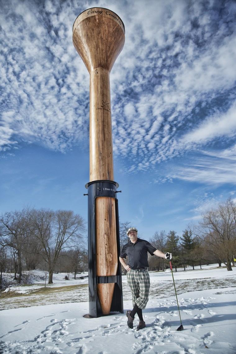 Largest golf tee