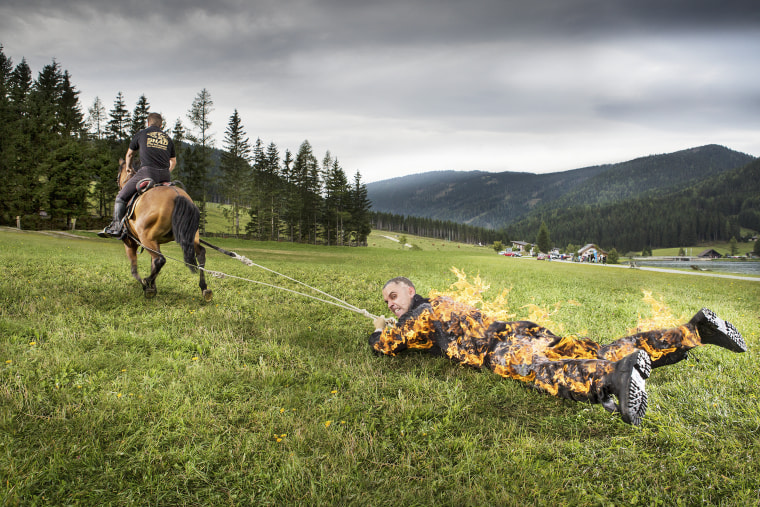 Josef T??dtling - Longest distance pulled by a horse - full body burn