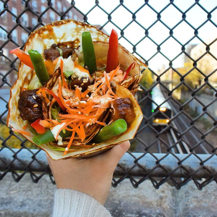 T-Swirl crepe serves an Angus short ribs crepe with carrots, sesame seeds, chipotle aioli, and tofu sauce - among other ingredients.