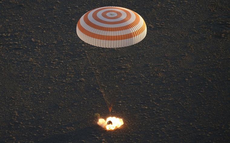 Image: TOPSHOT-KAZAKHSTAN-SPACE-LANDING-ISS-RUSSIA-US