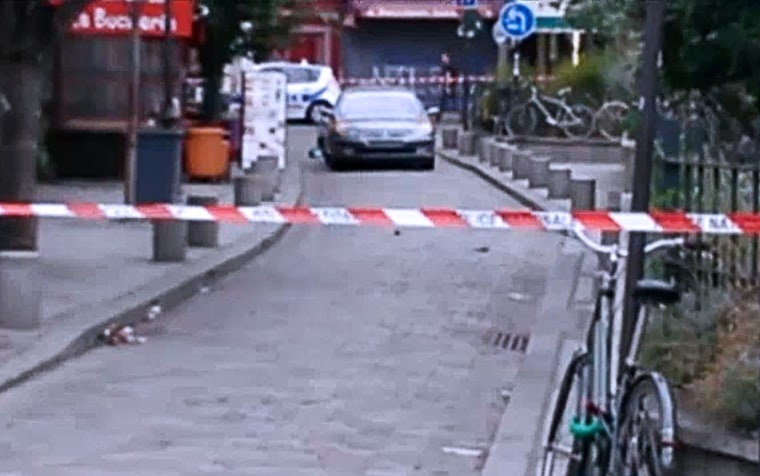 IMAGE: Suspicious car near Notre Dame Cathedral