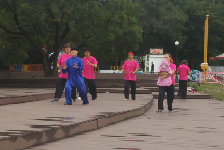 Image: Locals in Vladivostok, Russia, practicing qigong