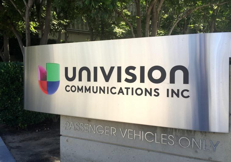 Image: Univision buys Gawker Media for 135 million dollars